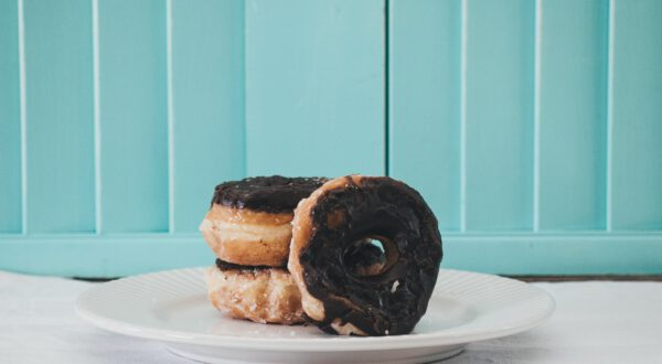 Good mood donuts in the City. Now. To Go.